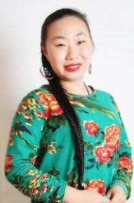 王萨仁靖媛
