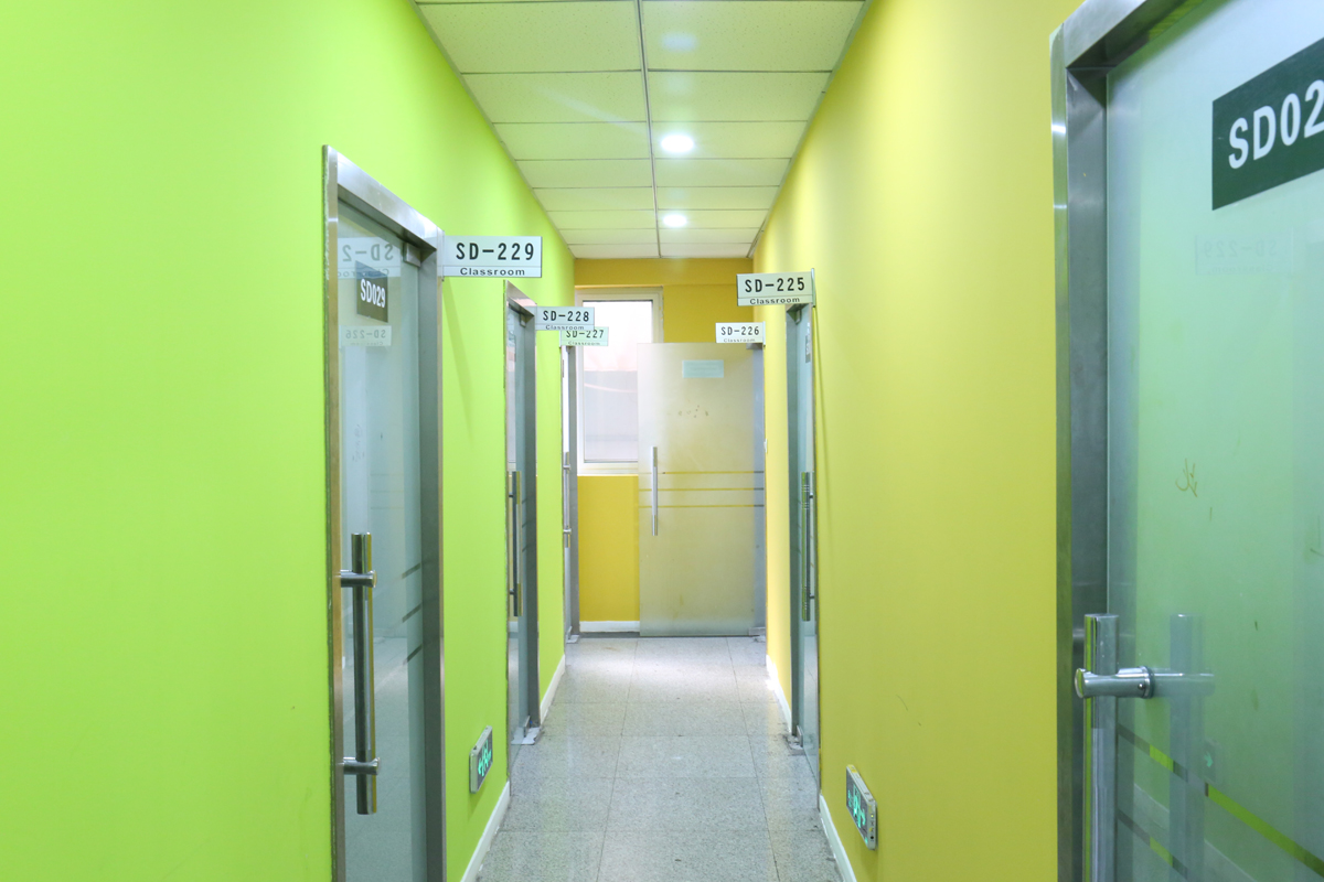 山大南校区走廊2