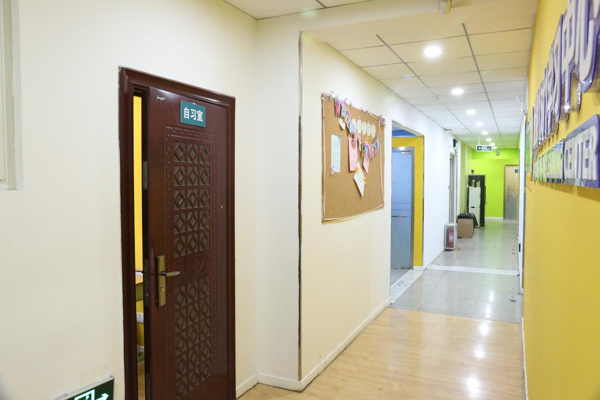 山大南校区走廊3