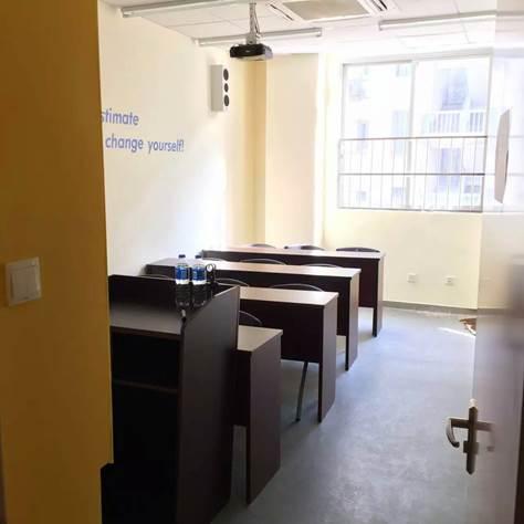 8人班教室